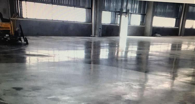 piso-industrial-de-concreto-reforcado-com-fibras-de-aco